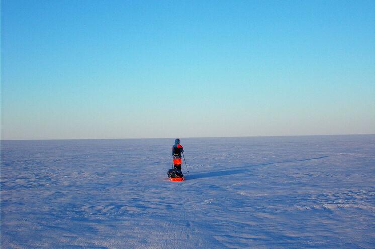 Genießen Sie die unvergleichliche Stille der Eiswüste...
