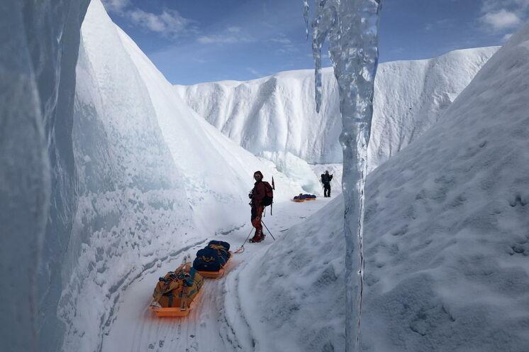 Vielleicht das größte Abenteuer Ihres Lebens: Auf Ski durchqueren Sie das grönländische Inlandeis von Ost nach West