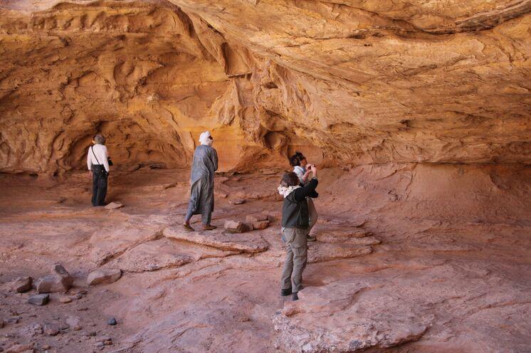 Immer wieder begegnen Ihnen Felsmalereien und prehistorische Spuren