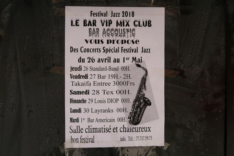 Während der Jazz-Hauptkonzerte gg. 21 Uhr legen die Live-Bands in den Bars eine Pause ein. Doch davor und danach geben Newcommers und bekannte Musiker ihr Bestes in den zahlreichen Bars und Restaurants.