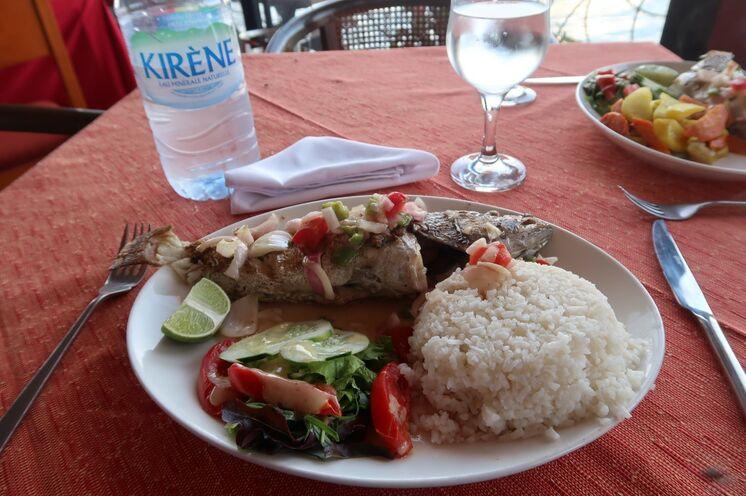 ... mit einem guten Mix aus französischer und afrikanischer Küche!
