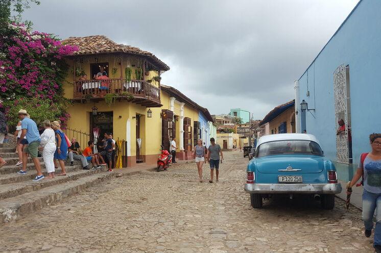 In Trinidad, der kolonialen Perle an der Südküste, genießen Sie karibisches Flair