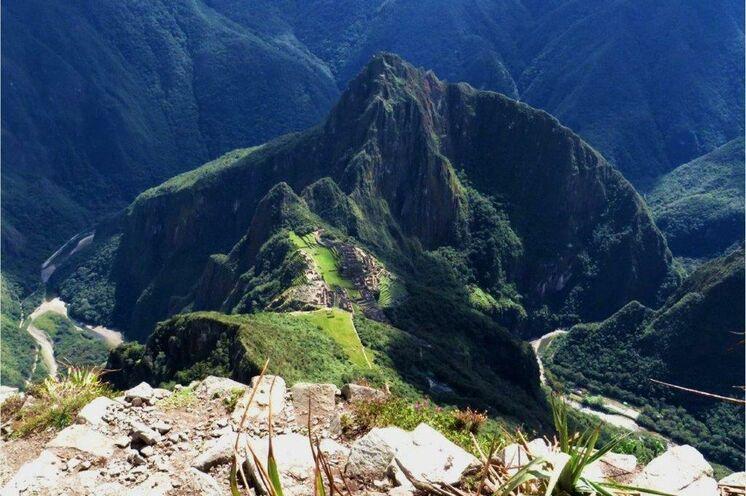 Der Aufstieg zum Montana Picchu lohnt, da Sie von hier einen Blick von oben auf die Anlage haben.