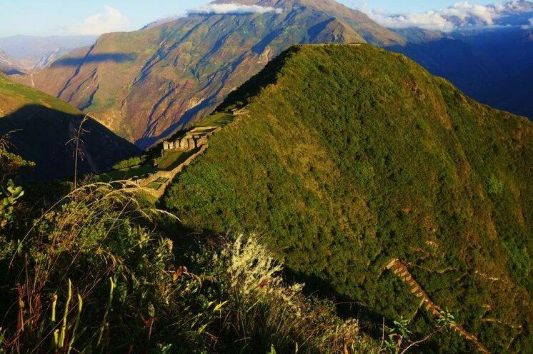 Das zweite Trekking führt zur einsamen Zitadelle von Choquequirao, der Wiege des Inkagoldes...