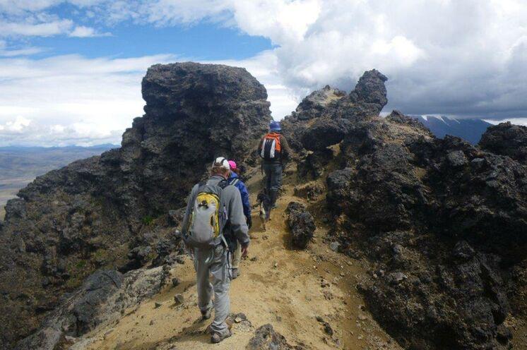 Auf die Besucher warten paradiesische Wandermöglichkeiten für Naturliebhaber in bizarrer Bergwelt.
