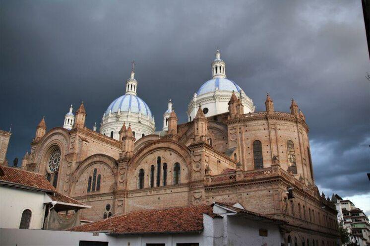 Stadtrundgang in einer der schönsten Kolonialstädte Südamerikas - Cuenca