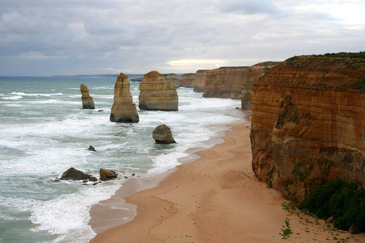 Ein klassisches Australien-Highlight, die Great Ocean Road mit den Twelve Apostel, erkunden Sie bei kleinen Wanderungen zu Fuß