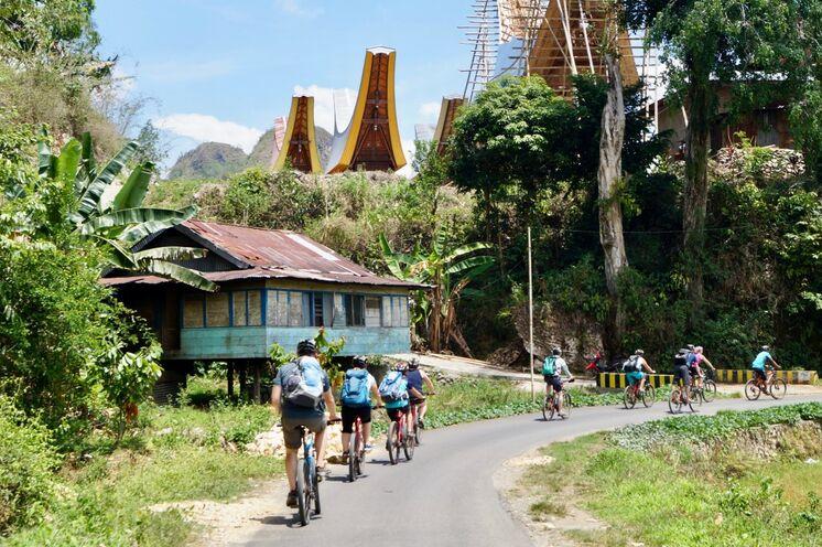 Per Rad im Hochland der Toraja