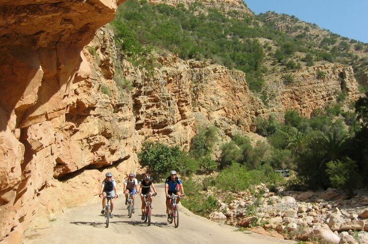 Während der Reise durchqueren Sie auf vier anspruchsvollen Etappen per Rad den grandiosen Südwesten des Königreichs