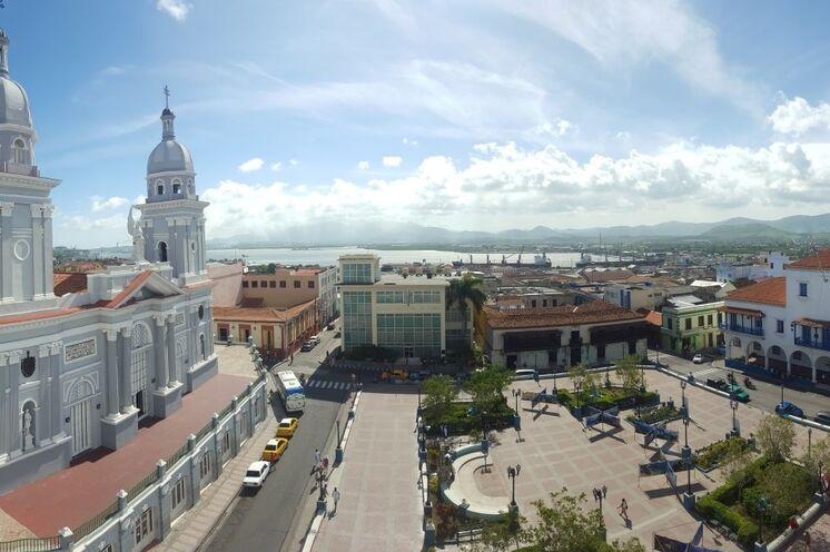 In Santiago de Cuba unternehmen Sie einen ausführlichen Stadtrundgang, u.a. zum Friedhof mit dem Grab von Fidel Castro