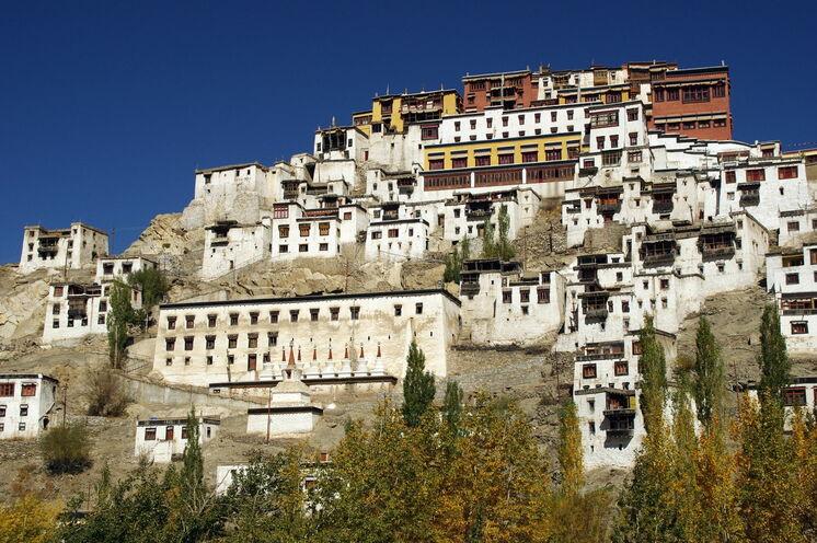 Sie besichtigen u.a. das Kloster von Thiksey, dass dem Potala Palast in Lhasa ähnelt