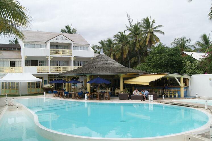 Ihre Unterkünfte sind komfortablen 3- bis 4-Sterne-Hotels und ladestypische Pensionen.