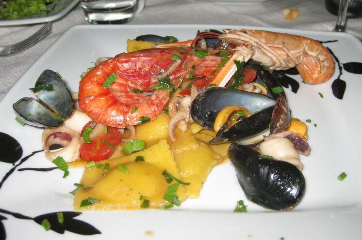 Schmackhafte Meeresfrüchte sind eine der lokalen Delikatessen.