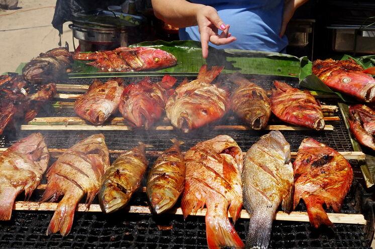 Den frischen Fisch können Sie bei einem der Barbeques am Strand von Beau Vallon genießen.