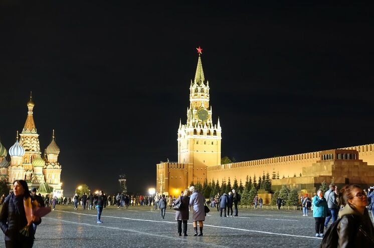 ... und natürlich der Rote Platz am Abend!