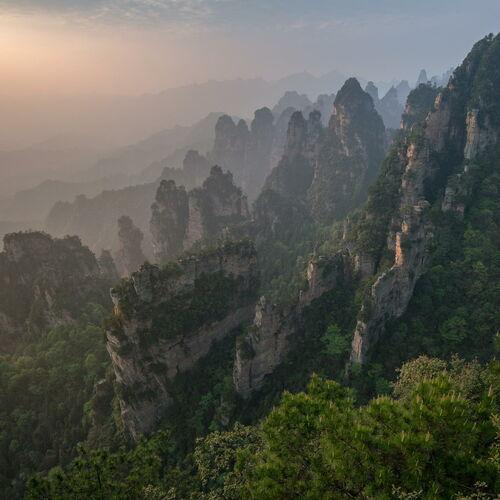 Chinas pulsierende Metropolen und magische Berge