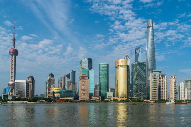 Was für ein Abschied: der Blick vom Bund auf die Skyline von Shanghai