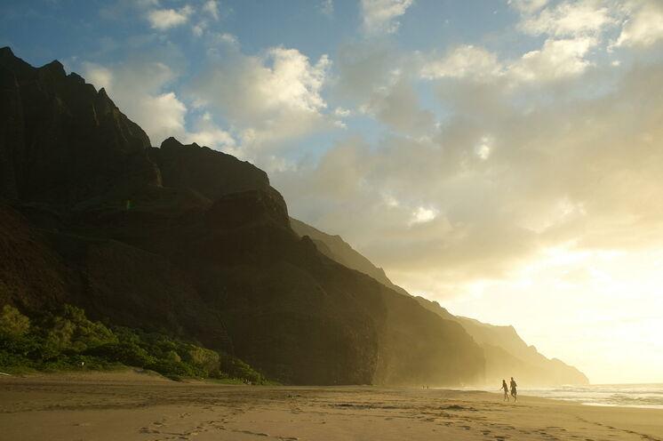 Wandern, Wellen, Vulkanismus – Sehnsuchtsziel Hawaii intensiv entdecken!
