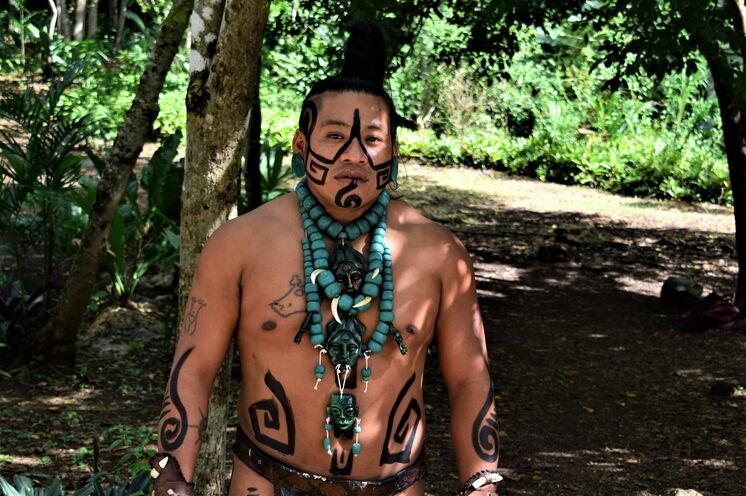 ... und begegnen Sie authentisch dem Erbe der noch lebenden Maya an anderen Tagen