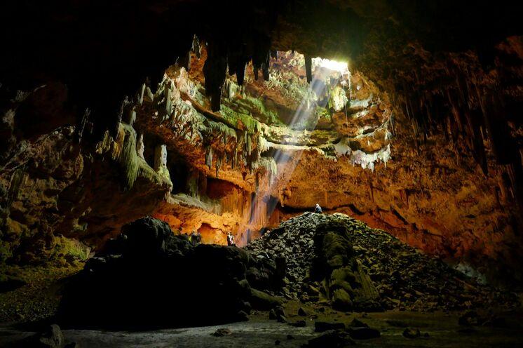 Spektakuläre Felsformationen erwarten Sie im Inneren der Höhlen Mexikos