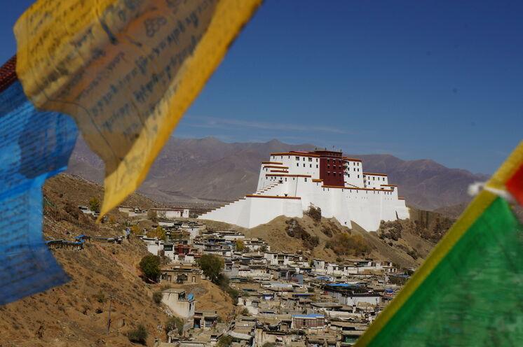 Das Tashilhunpo-Kloster ist das größte Kloster der Gelug-Sekte in Westtibet und damaliger Hauptort der religiösen und politischen Angelegenheiten der Panchen Lamas