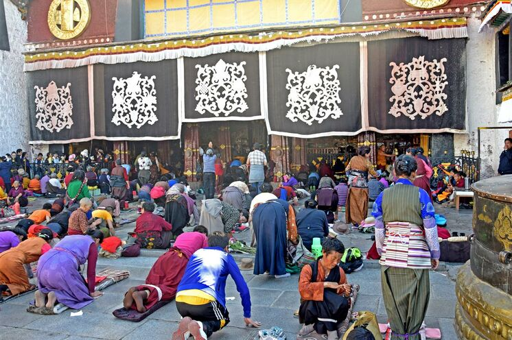 Die heiligste Stätte der tibetischen Buddhisten – Der Jokhang-Tempel