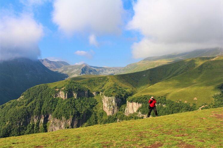 Auf dieser Reise stehen zahlreiche Wanderungen im Kaukasus auf dem Programm