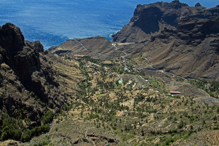 50 solcher Täler machen aus Gomera eine perfekte Wanderinsel. Panoramawanderung im Tal von Taguluche und Alojera