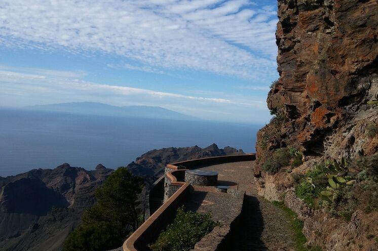 Aussichtspunkt bei Arure – der Blick reicht bis zur Insel La Palma