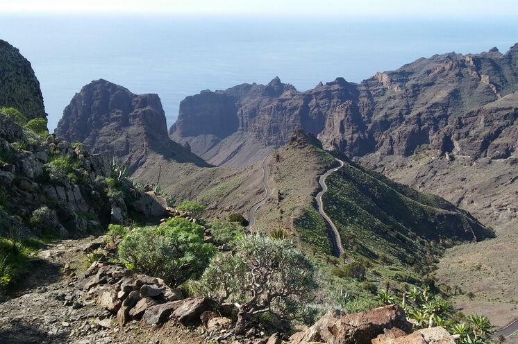 Bei der Wanderung im Westen der Insel erleben Sie die zerklüftete Landschaft La Gomeras