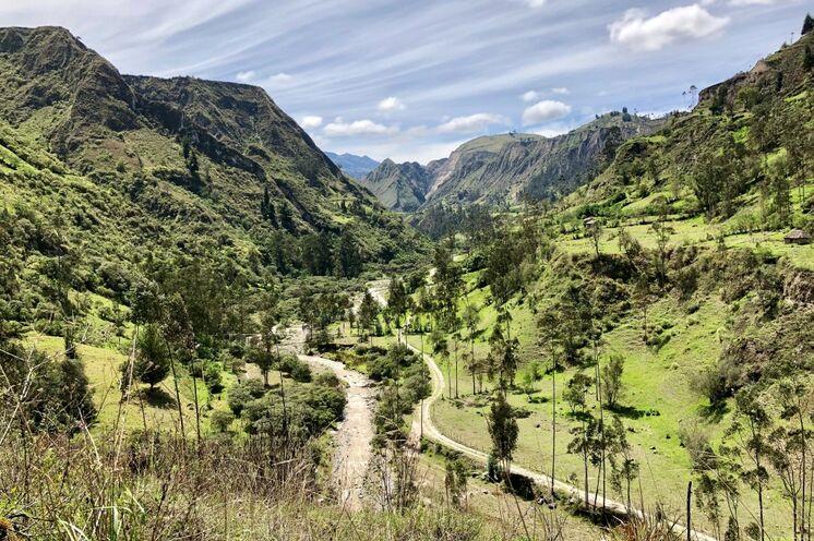 Wandern in landschaftlicher Idylle auf dem Quilotoa-Loop