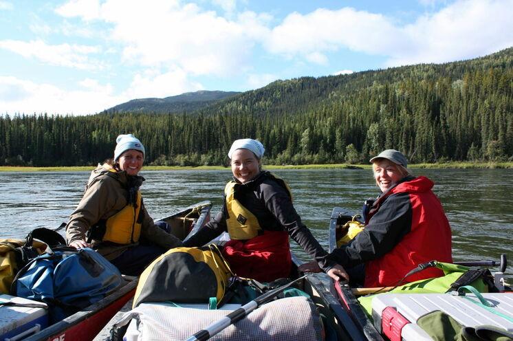 Es ist DAS Yukon-Erlebnis schlechthin: eine Kanutour auf dem Teslin- und Yukon River bringt Sie der Natur ganz nah