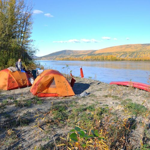 Outdoorparadies Yukon mit Tombstone Mountains und Kluane-Nationalpark