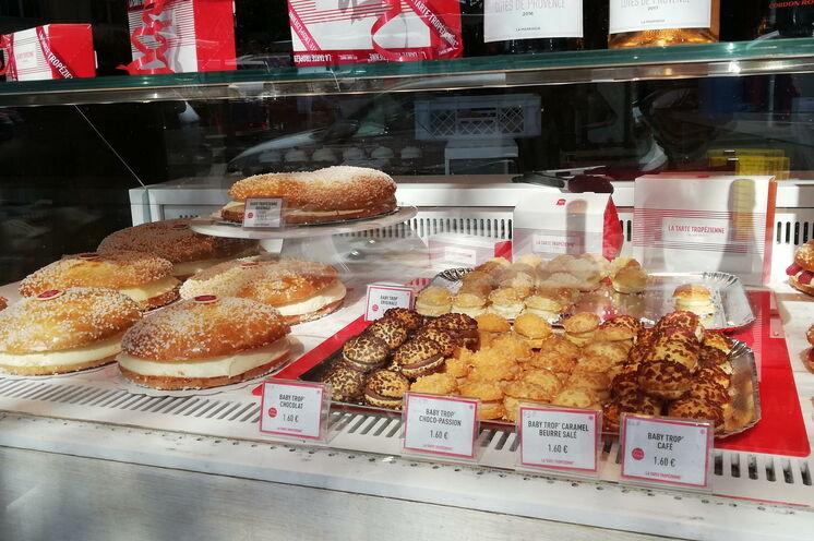 Ein MUSS in Saint-Tropez - die berühmte Tarte Tropezienne, eine französiche Kuchenspezialität par excellence :-)