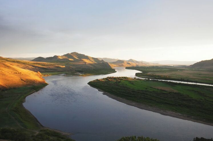 Das legendäre Bargusin-Tal fasziniert mit seiner bezaubernden Natur und heiligen Plätzen