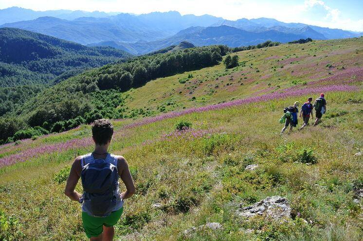 Beim Wandern in Montenegros Nationalparks bieten sich zahlreiche herrliche Aussichten