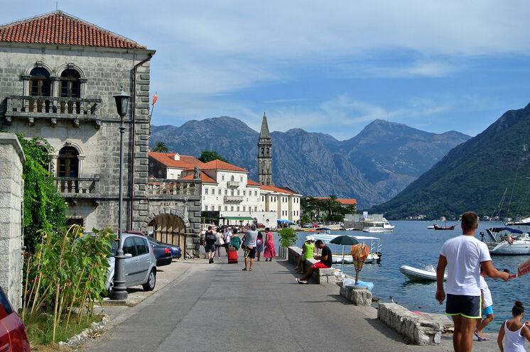 Auch Bummeln in den schönen montenegrinischen Altstädten ist ein absolutes Muss