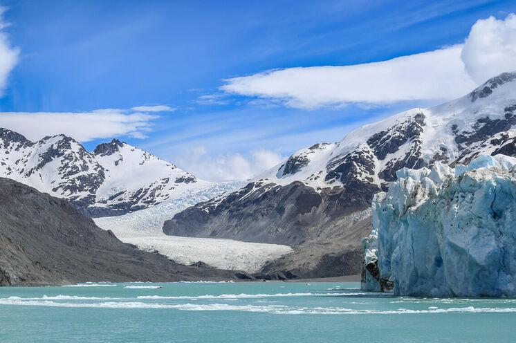 Ganz nah an den Gletscher O´Higgins fahren Sie per Boot