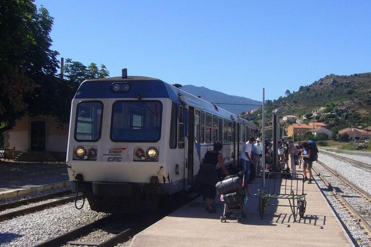 Mit der Eisenbahn gelangen Sie zu den Ausgangspunkten Ihrer Tageswanderungen