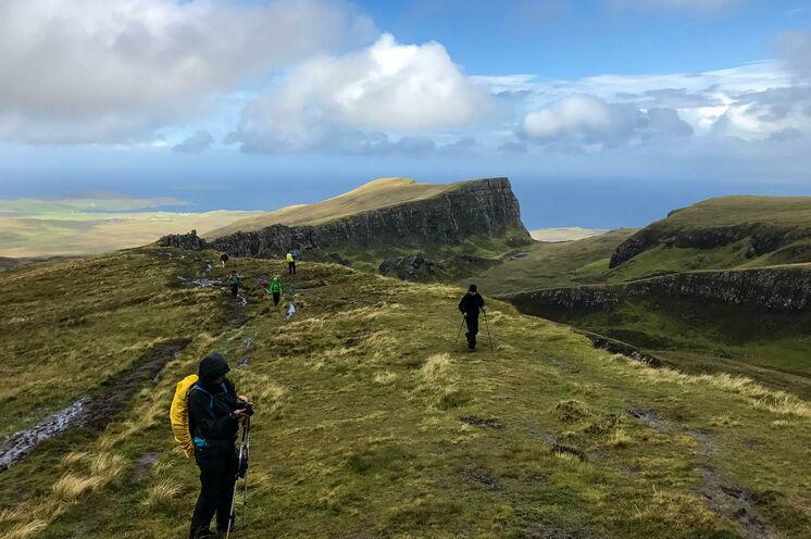 Der Norden ist durch einen massiven Erdrutsch geformt, der hohe Klippen, versteckte Hochebenen und Felsgipfel geschaffen hat.