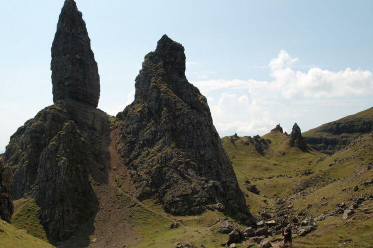 """Die wahrscheinlich berühmteste Wanderung der Insel zur weit sichtbaren Felsspitze """"Old Man of Storr"""""""