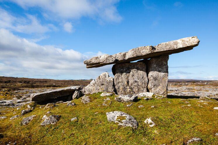 Dolmen(gräber?) an den Westküsten Europas – ein noch immer nicht gelüftetes Geheimnis umgibt die aus Steinblöcken errichteten Bauwerke