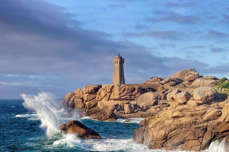 """Von der Smaragdküste fahren Sie zur nächsten reizvollen Wanderregion, der """"Rosengranit-Küste"""""""