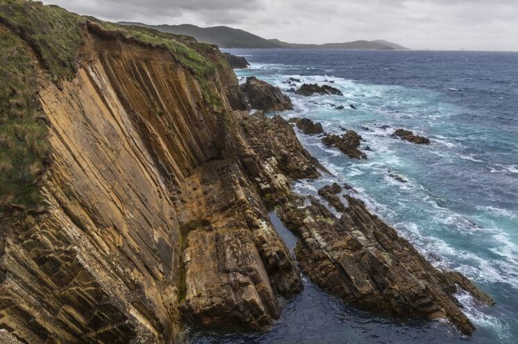 Auf der touristisch wenig erschlossenen Beara-Halbinsel kommen auf Ihrer 8-tägigen Trekkingtour nicht nur Geologen zum Staunen