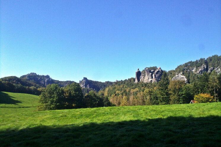 Blick in das Rathener Felsgebiet