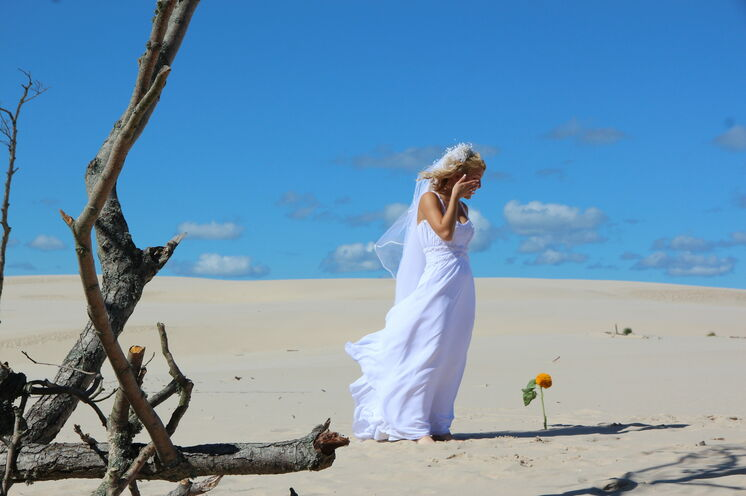 Auch wenn die Riesendünen im Slowinski NP bei Leba vielleicht dazu verführen, Sie müssen nicht gleich heiraten... :-)