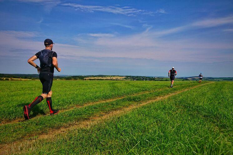 Für alle Läufer mit Trailerfahrungen und guter Ausdauer geeignet.