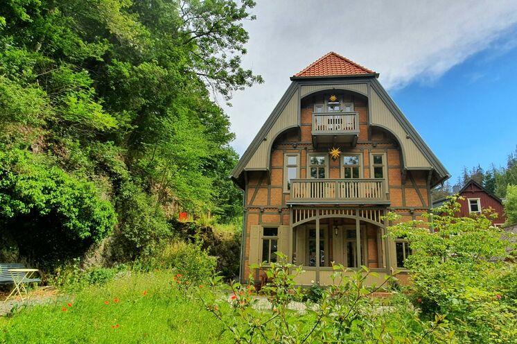 Unser gemütliches und sehr besonderes Ferienhaus befindet sich im idyllischen Bergdorf Treseburg