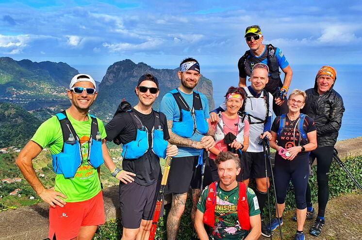 An unserem ersten Madeira Trailrun Camp im Nov. 2020 nahmen 6 Sport- und Reisefreunde, sowie Tino und Stefan vom Team schulz sportreisen teil.