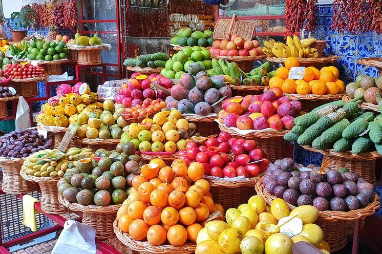Madeira begeistert auch mit einem sensationellem Obst- und Gemüseangebot...